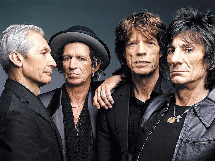 Stones-Sonrientes-jugando-Rolling-sobrellevan_LRZIMA20121228_0116_4